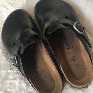 Birkenstock Shoes - Men's/Women's Birkenstock Clog - worn once!